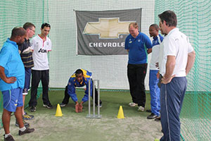 SWD Cricket - Louw giving a keeping demonstration